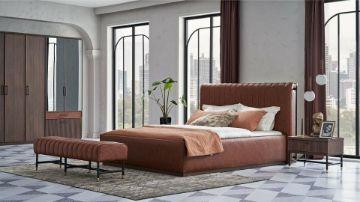 спальный гарнитур Matilda, в данный гарнитур состоит из двуспальной кровати с оттоманкой, комода, тумбочек, платяного шкафа и туалетного стола.